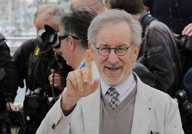 Steven_Spielberg_thinks_the_sky_is_falling_featured_photo_gallery